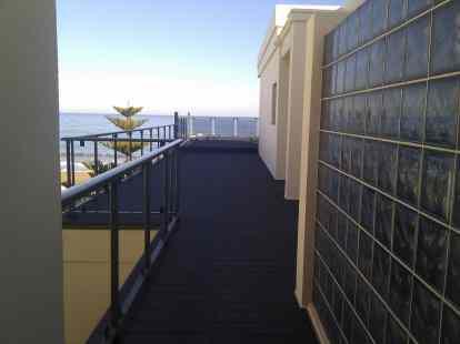 suelo composite terraza exterior