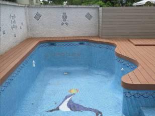 tarima exterior piscina madera sintetica