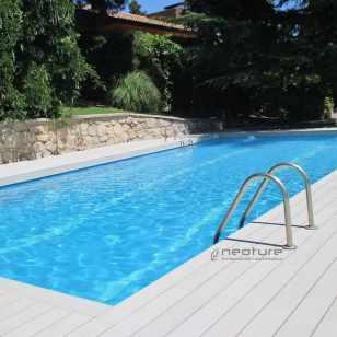 tarima piscina madera exterior sintetica