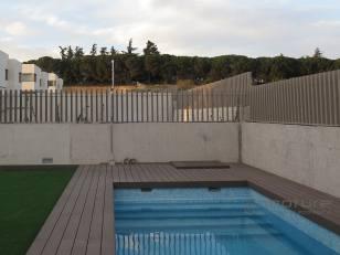 tarima-sintetica-exterior-piscina