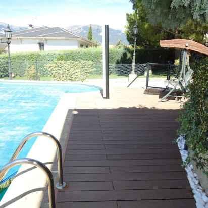 tarima-composite-pasarela-alrededor-piscina