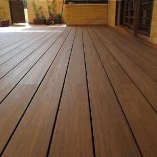tarima madera sintetica exterior