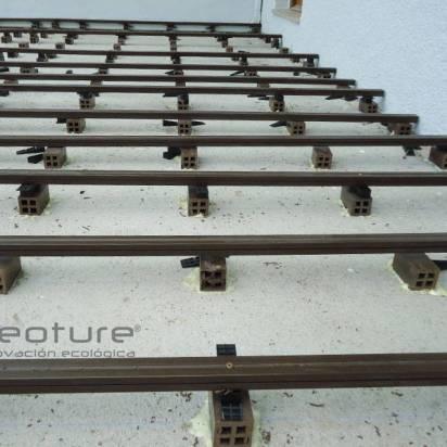 elevacion y nivelacion con tacos para instalar tarima sintética