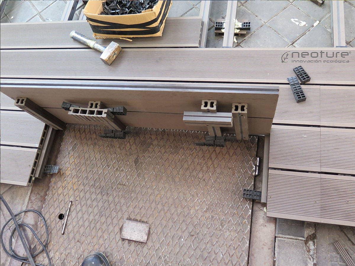 registro tarima exterior sintetica terraza restaurante