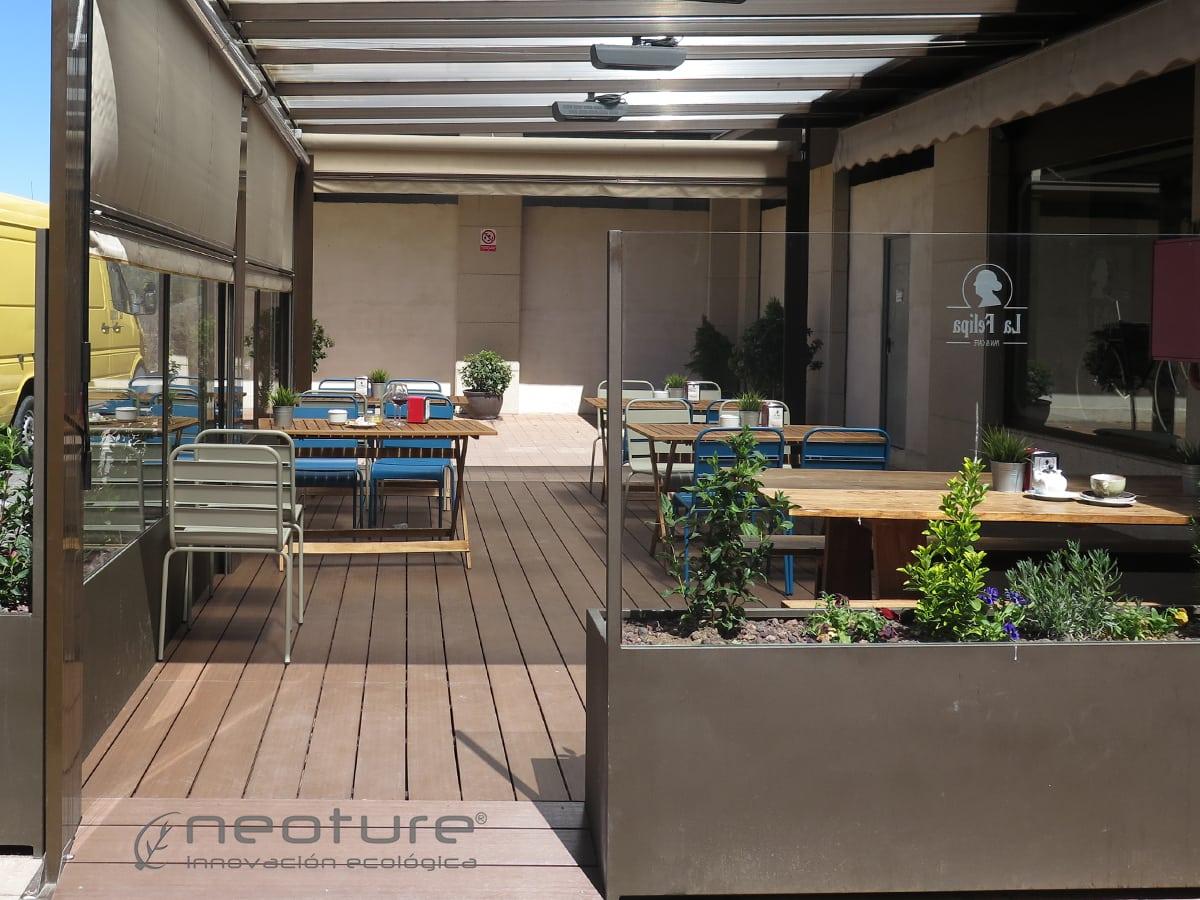 Instalacion suelo tarima cerramiento cafeteria neoture for Cubrir suelo terraza