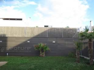 Valla exterior composite en jardin