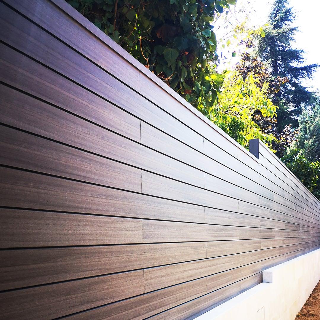vallado-madera-tecnologica-encapsulada-neofront-pizarra