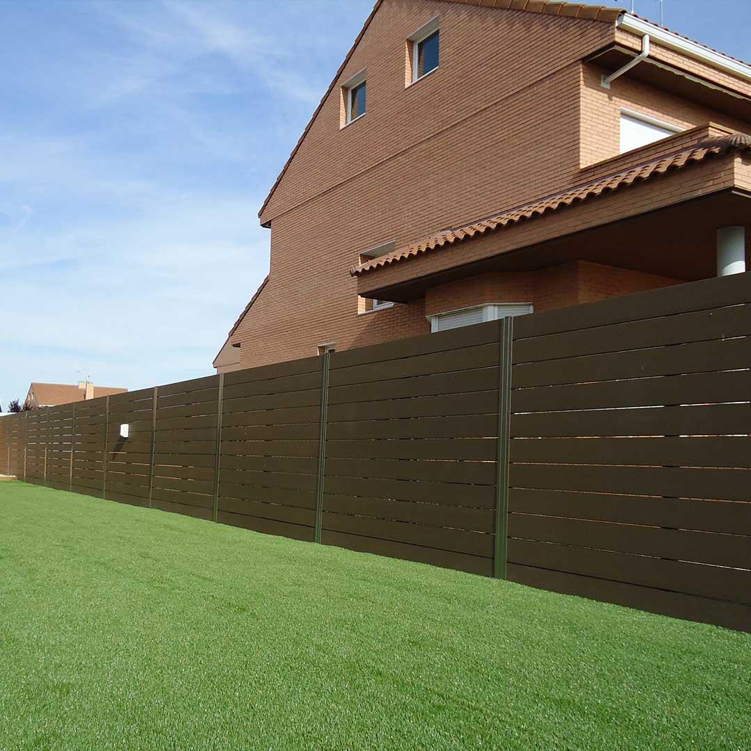 Vallas de madera sint tica para cerramientos cercados for Cerramientos para jardines