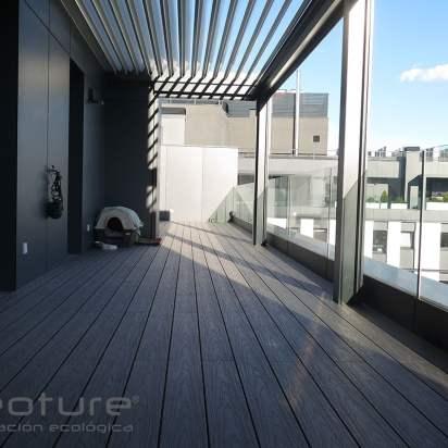 Tarima madera composite exterior terraza ático