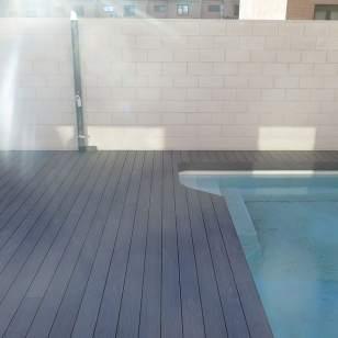 Tarima sintética piscina encapsulada