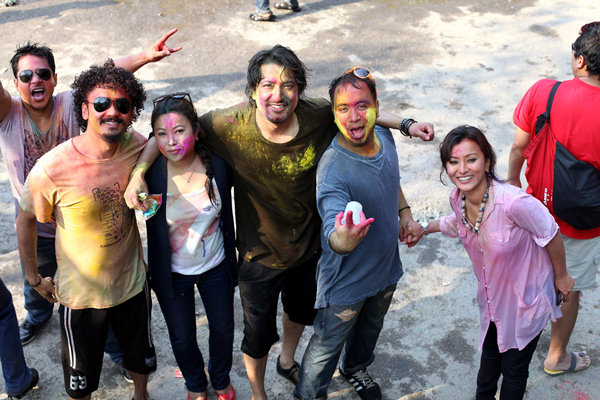 Namrata Shrestha Celebrating holi 2013 10