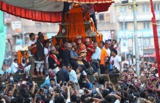 kumari procession