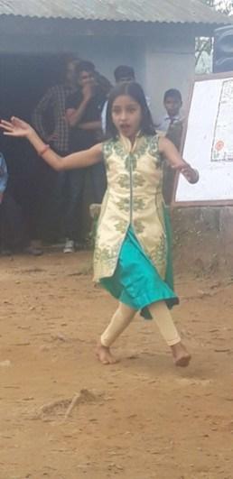 girls student performing dance