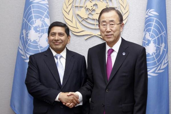 Nepal Foreign Minister Narayan Kaji Shrestha with Ban kiMoon