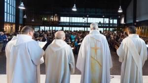 फ्रान्समा ३ हजार पादरीले गरे दुई लाख बालबालिकालाई यौन दुर्व्यवहार