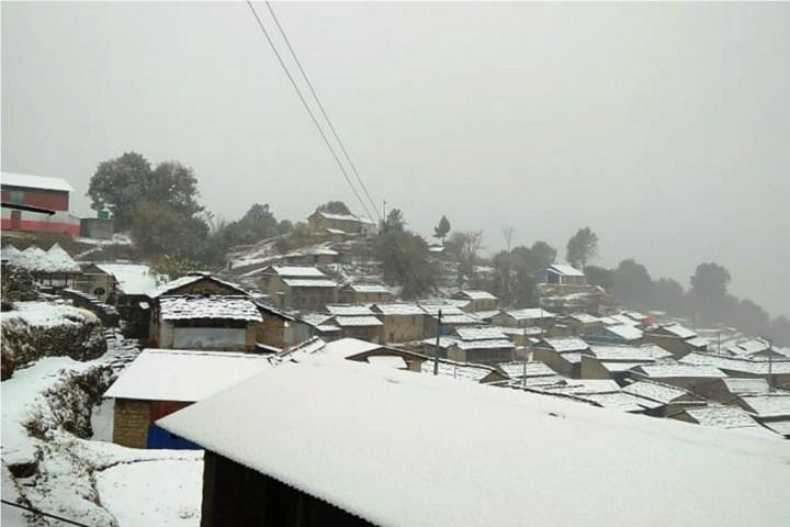 वर्षासँगै बढेको चिसोले म्याग्दीमा भारी हिमपात