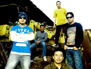 Ko Hau Timi Lyrics – Karma Band