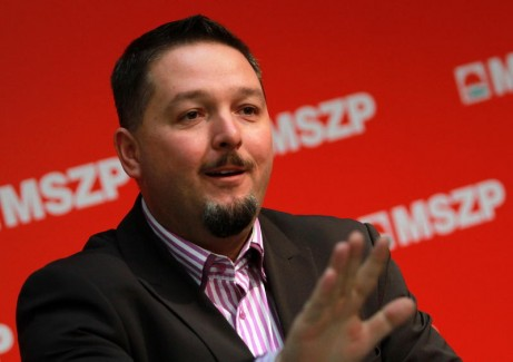 Török Zsolt, az MSZP szóvivője hazudik. Újra!