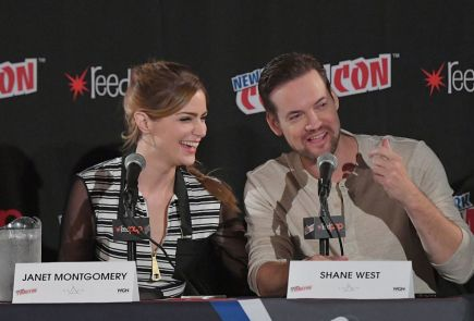 Nerdeek Life NYCC-2016-Salem NYCC: Salem cast weaves its magic on NYCC fans as they dish out Season 3 news Conventions