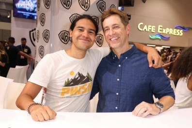 DC The Flash Cast SDCC 2017 Signing 05