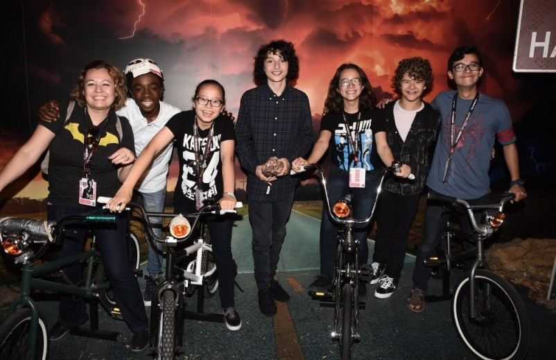 Nerdeek Life DS1_1202 The Stranger Things Cast Made Fans' Day at The Netflix Experience Conventions