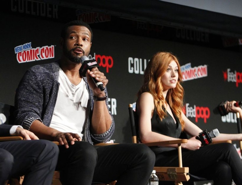 Nerdeek Life Shadowhunters-NYCC-2017-Panel-4 Freeform's Shadowhunters teases love and chaos at NYCC 2017 Conventions Nerdeek Life