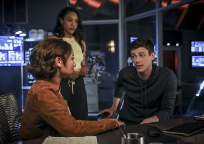 Nerdeek Life the-flash-season-5-photos-10 The Flash's 'Blocked' Proved Who We Are Always Rooting For Nerdeek Life Roundtables