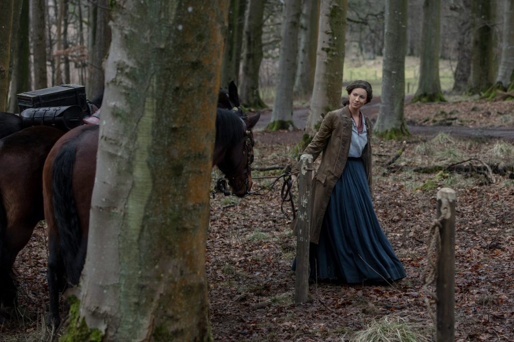 "Nerdeek Life Outlander-4x06-1 ""Blood of my Blood"" brings Jamie's blood to his front door Nerdeek Life Roundtables"
