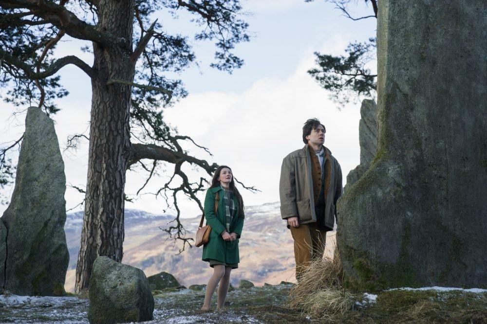 "Nerdeek Life Outlander-4x07-2 We go ""Down the Rabbit Hole"" in a shocking Outlander Nerdeek Life Roundtables"