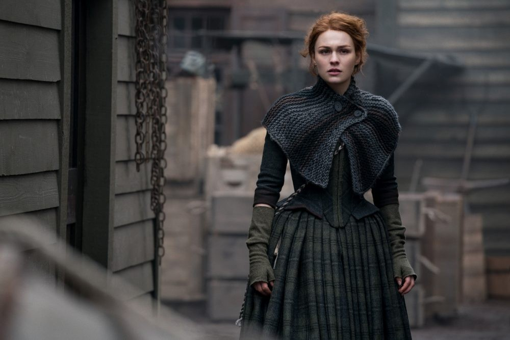 "Nerdeek Life Outlander-4x09-18 We're learning about the ""Birds and the Bees"" on this week's Outlander Nerdeek Life Roundtables"