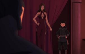 Uno dei leitmotiv del film: lo scollo clamoroso di Talia.