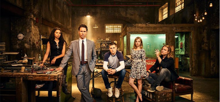 Netflix Watcher: Travelers