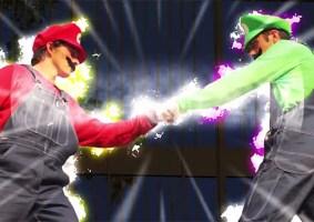 Mario e Luigi fazem parkour