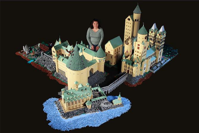Mãe cria Castelo Hogwarts com LEGO usando 400 mil peças