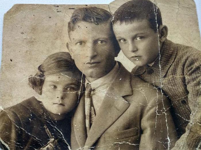 Artista restaura fotografias que estavam praticamente perdidas