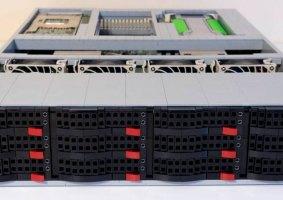 Um funcional servidor feito de LEGO