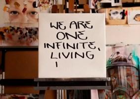 Os estúdios de 37 artistas em quarentena ao redor do mundo