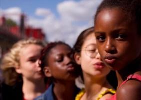 A polêmica de Cuties e a hipersexualização das crianças