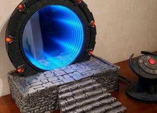 Uma réplica do portal de Stargate que 'funciona'
