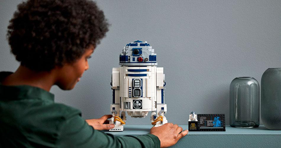 Um LEGO do R2-D2 enorme para adultos