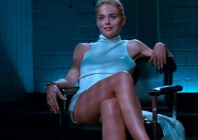 Sharon Stone não está feliz com versão do diretor de Instinto Selvagem