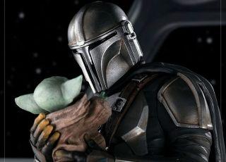 Estátua eterniza o triste adeus do Mandalorian ao Baby Yoda