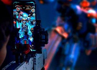 Arma de Brinquedo de Realidade Aumentada estilo LEGO permite jogar ou brincar com projéteis estilo NERF