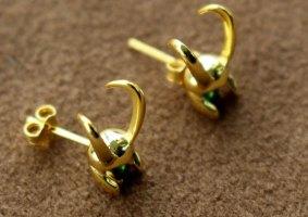 Os brincos do Loki feitos de ouro 18k e prata