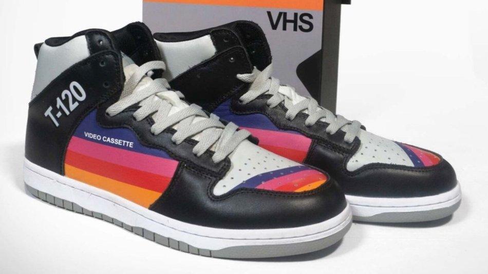 Tênis inspirados em VHS trazem nostalgia dos anos 80 e 90