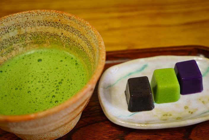 Green tea and sweets