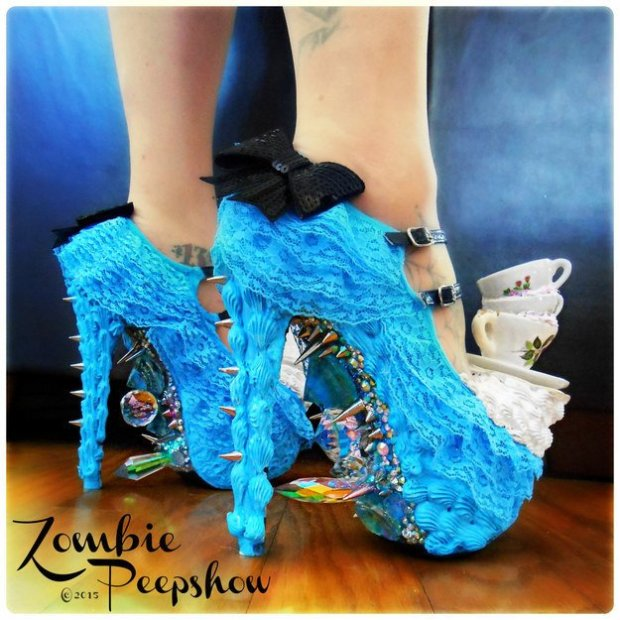 12 scarpe Alice in Wanderland