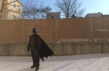 Jackson Gordon im Batsuit (Photo by Jenelle Janci) via college.usatoday.com/