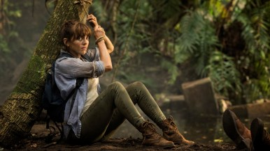 Episode 01 Scene 56: Amazon City Of Gold; Pascal (JEREMIE COVILLAULT) takes away some gold, Alex (OPHELIA LOVIBOND) balances a rock on her foot and passes it to Hooten (MICHAEL LANDES).