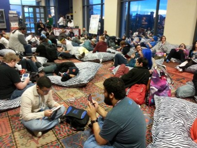 Areas like the handheld lounge allowed attendees to relax for a bit and gather StreetPasses.